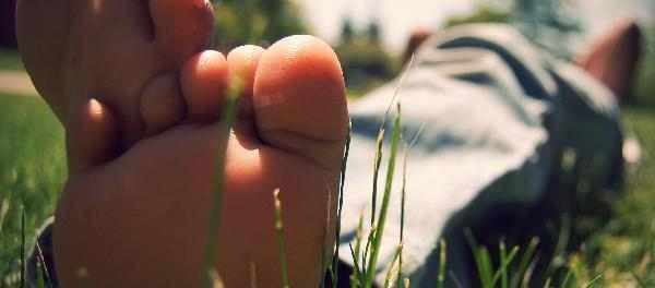 Problèmes de pieds : de beaux pieds été comme hiver !