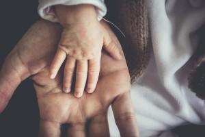hands-3120717_1920