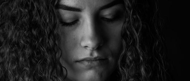 woman sad-2912367_1280